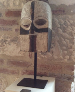 Masque africain, socle